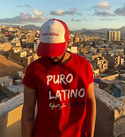 T shirt rouge homme manches courtes et casquette Puro Latino